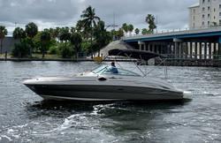 2006 SeaRay 240 Sundeck