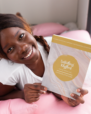 book-mockup-of-a-smiling-woman-on-her-be