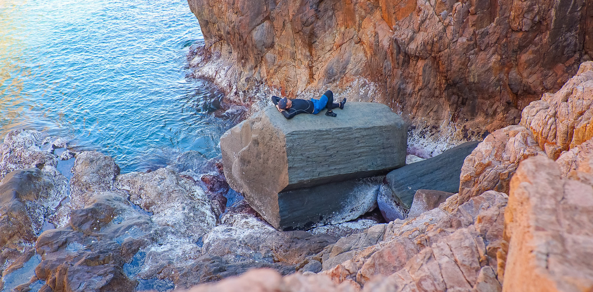 棺材石👺大到可以瞓得落成個人