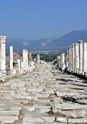 turkey-pamukkale-laodikeia-ruins.jpg