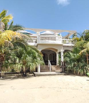 Casa Isabella - West Bay Beach