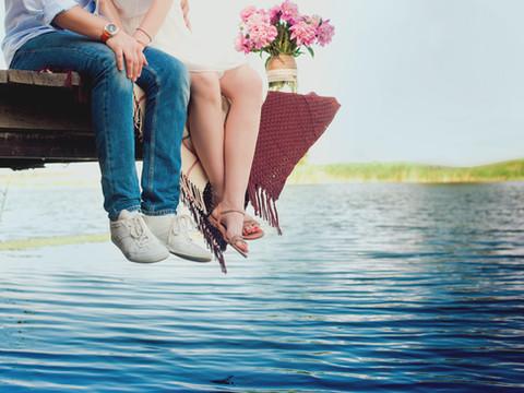 Couple romantique sur Dock