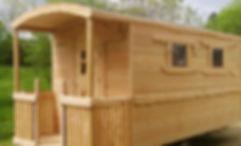 roulotte routière en bois, naturelle