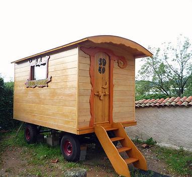 roulotte en bois thème guignol