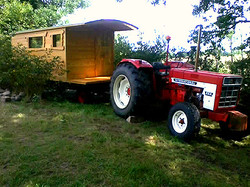 Mise en place roulotte au tracteur