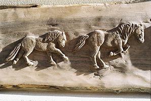 Détail frise sculptée, bois de noyer