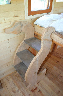 Escalier pour le lit
