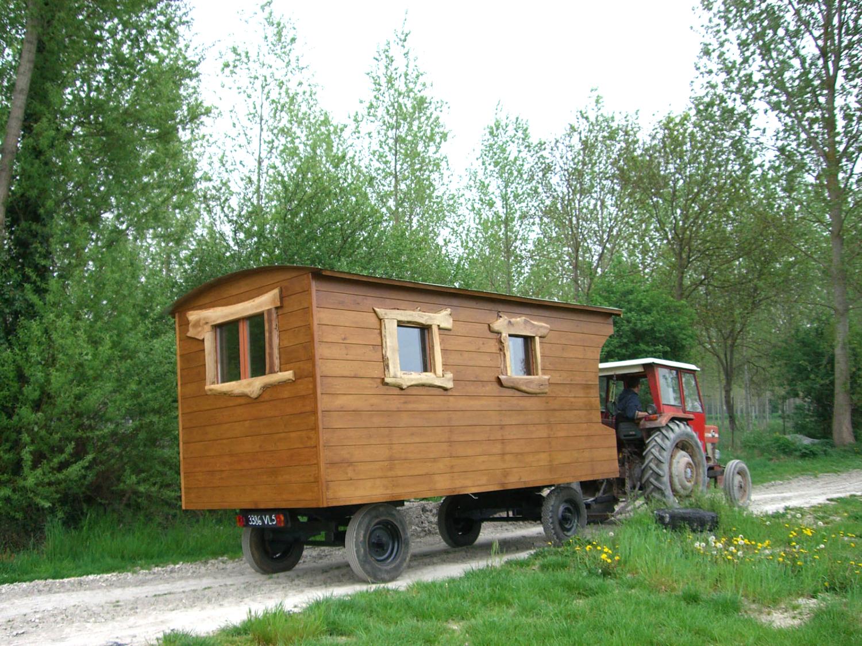 Transport de roulotte avec tracteur
