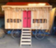 roulotte à thème : temple boudhiste en bois