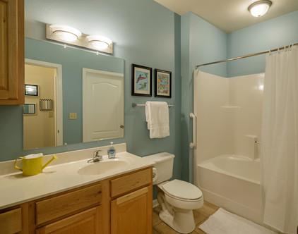 Bathroom of 1-Bedroom