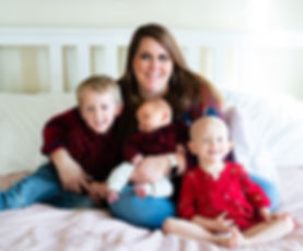 cancer patient Eliza, 1-month old Graham, and 4-year old Carter with mom