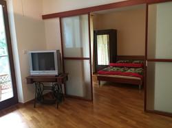 """widok na sypialnię z salonu """"przed"""""""