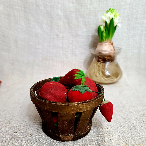 Tiny Berry Basket in Gold Paint
