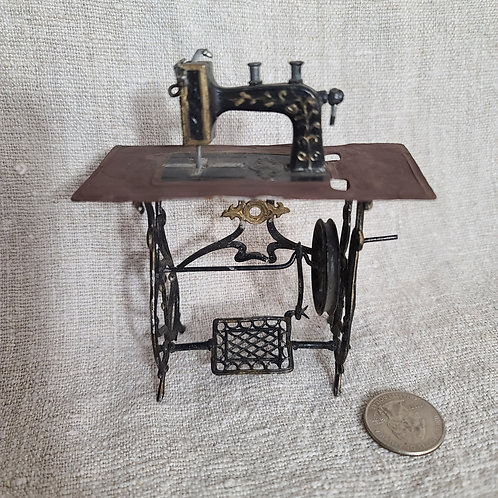 Miniature Doll Size Sewing Machine