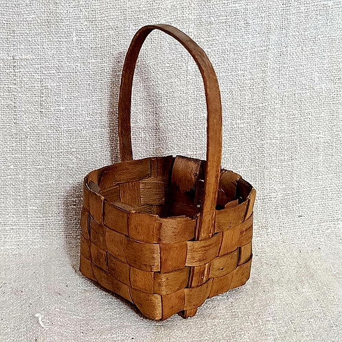 Tiny Woven Berry Basket