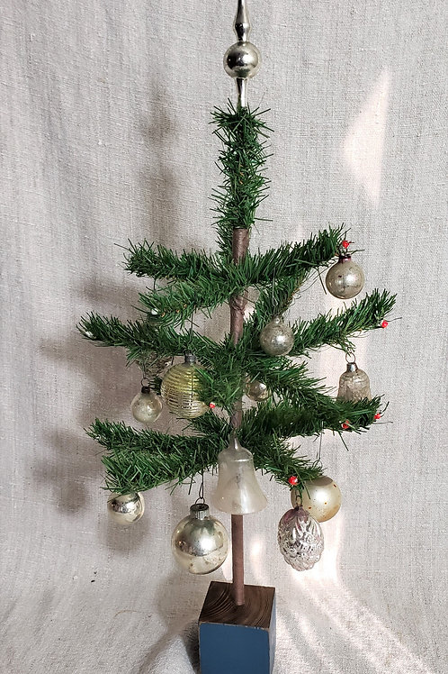 "21"" Decorated Christmas Tree"