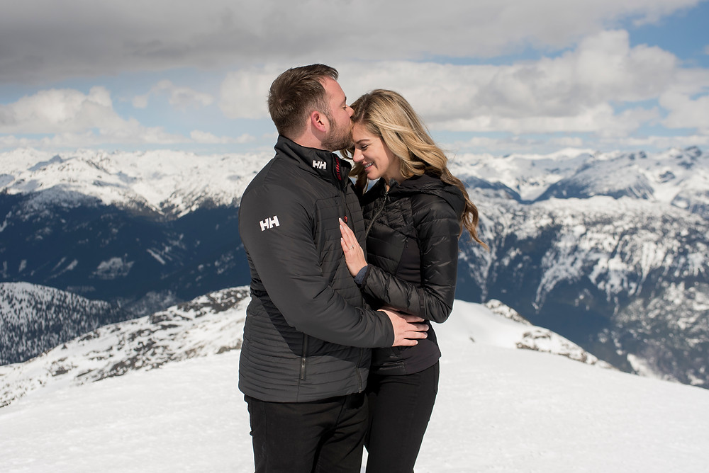 surprise-proposal-blackcomb-helicopters-whistler