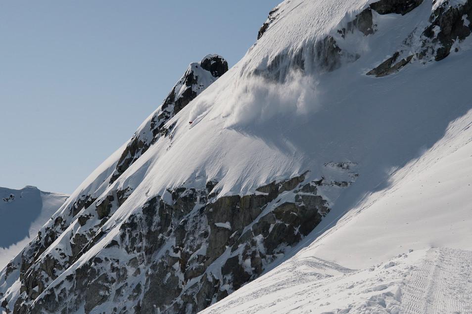 skier-drops-into-line-whistler-blackcomb-backcountry