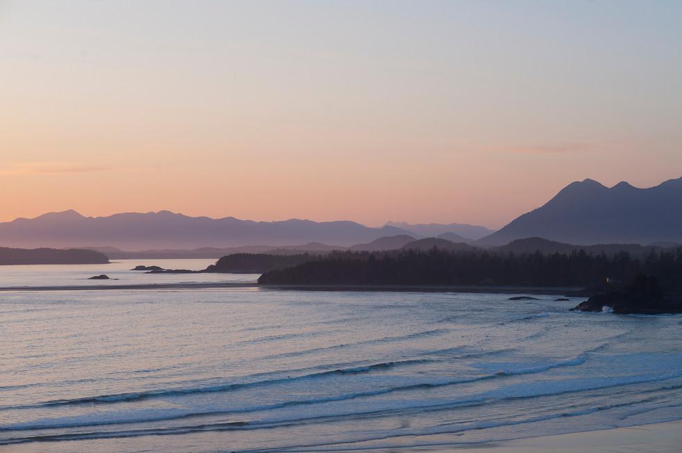 view-of-beach-at-sunset-tofino-british-columbia