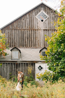 bride-groom-pemberton-barn-wedding-portraits