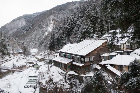 guest-house-in-valley-jigokudani-monkey-park