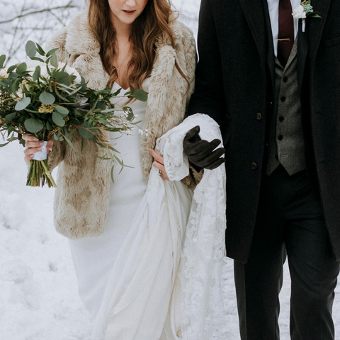 How to Stay Warm During Your Whistler Elopement in Winter | Janice Power Photography |