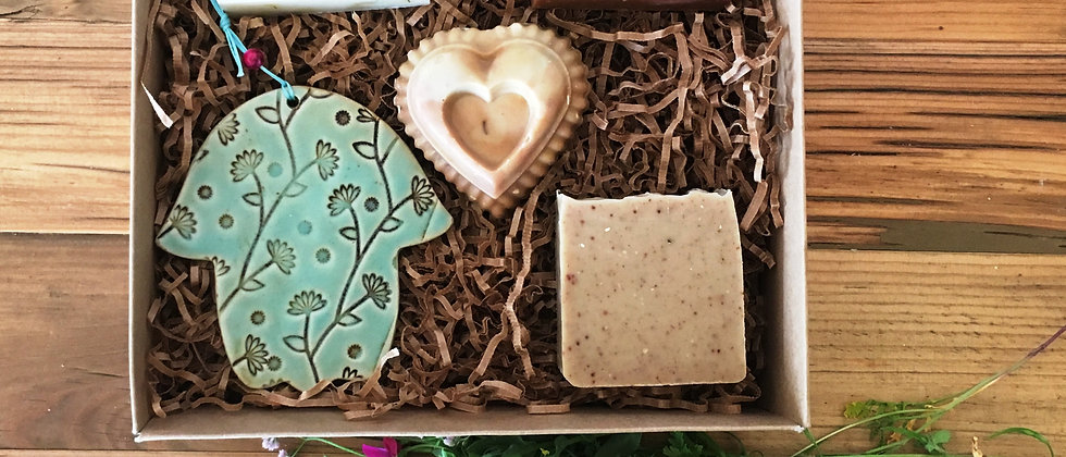 Package of 4 Soaps and a Ceramic Hamsa