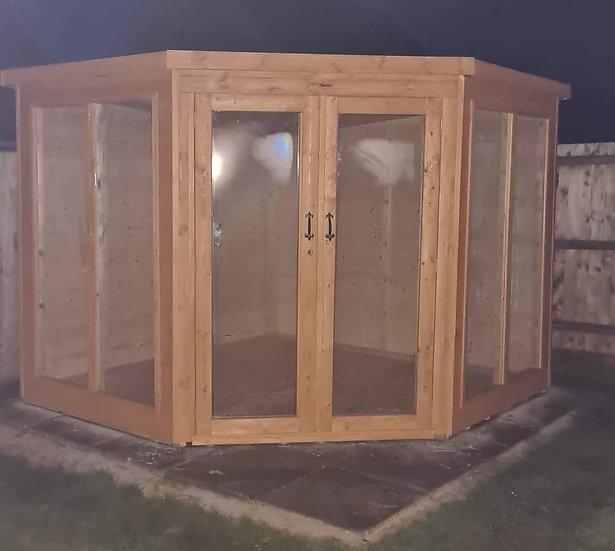 Corner summerhouse 2.7m by 2.7m