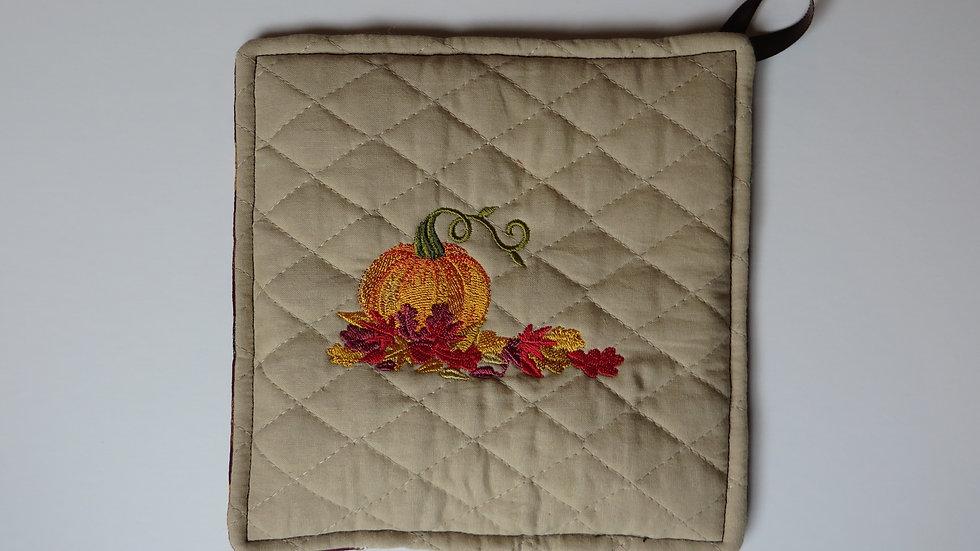 Seasonal Potholder- tan, pumpkin with colored leaves