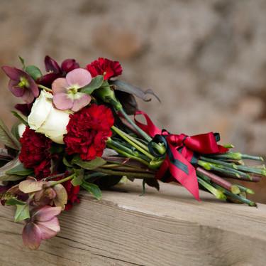 Bouquet de mariée bordeaux et blanc