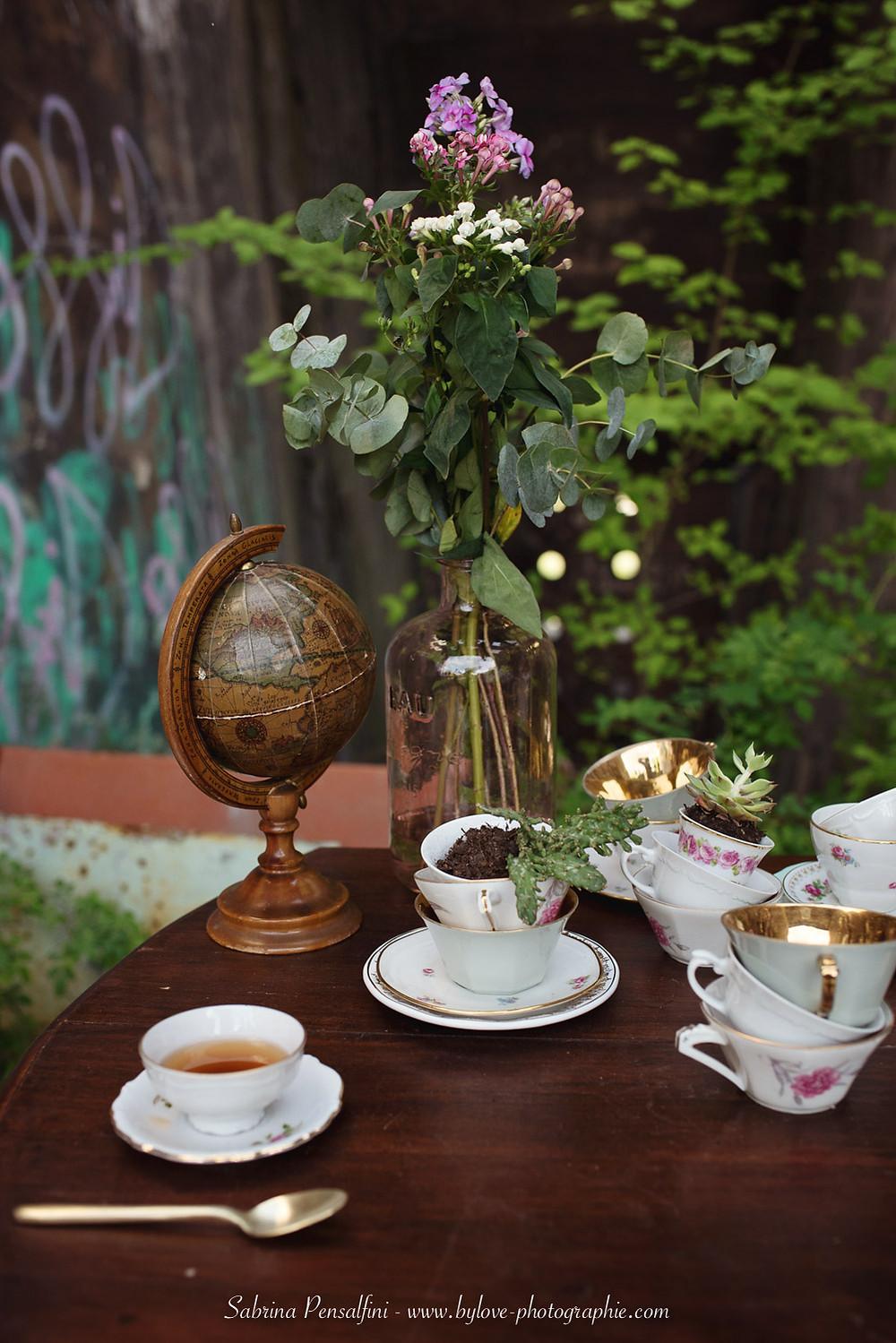 Décoration de table de mariage steampunk. Idée d'animation : duel de thé et décoration. Wedding planner pour mariage atypique et originaux.