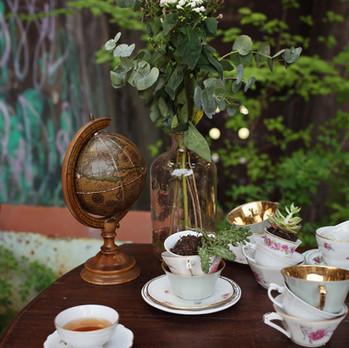 Décoration d'un bar à thé original pour un mariage steampunk