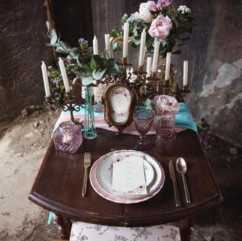 Décoration d'une table de mariage romantique