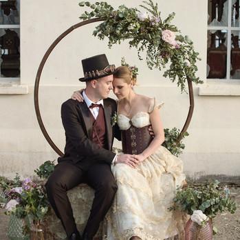 Arche ronde pour un mariage steampunk