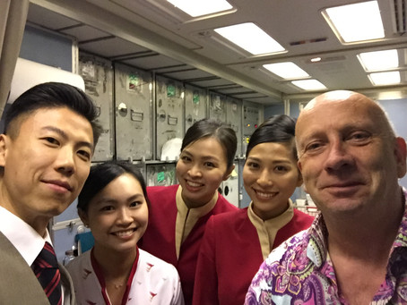 DUST in Chinese - conversations on Cathay Pacific (Hong Kong) with some lovely cabin crews...