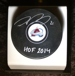 Signed Avalanche Puck