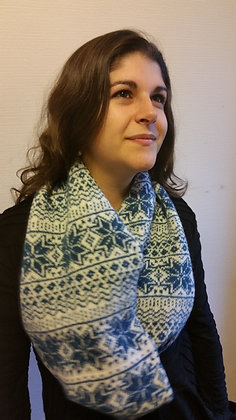 New 2 colour snood in north star pattern