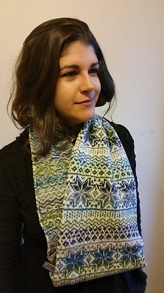 New snood in winters greens northern star pattern