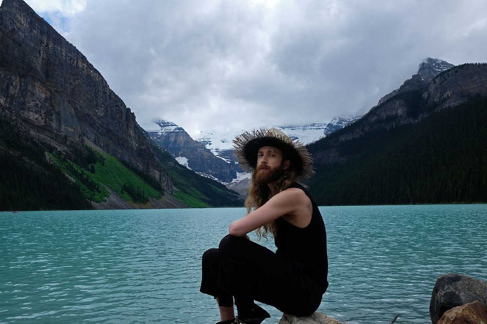 Lake-Louise-Alberta-Hiking