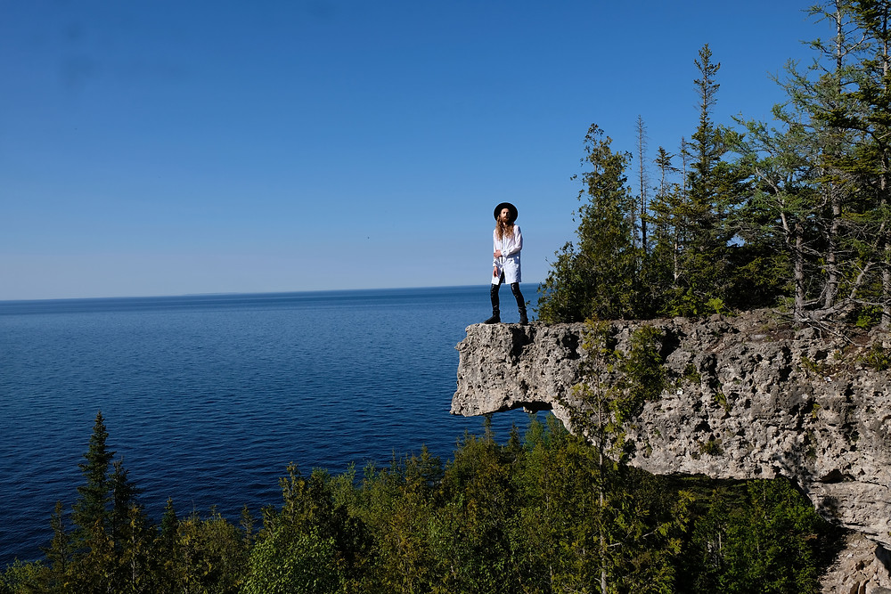 Overhanging-point-bruce-peninsula