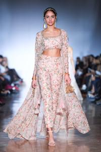 Toronto-fashion-week-Mani-Jassal