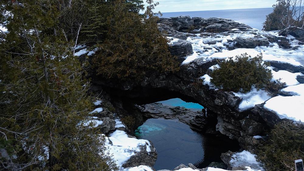 The-Grotto-Bruce-Peninsula-ontario