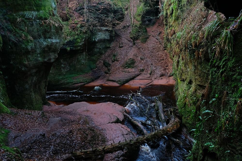 Hiking-scotland-devils-pulpit
