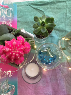 pink and teal centerpieces