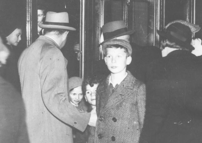 Arrival of Jewish refugee children from Germany in Naarden, Netherlands