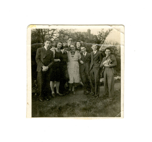 Photograph of Mrs Cohen and the children of Willesden Lane, 1940