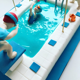 swimmingpool cake