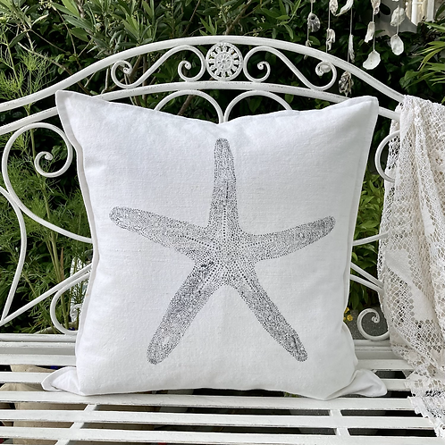 Vintage White 'Seashore Starfish' Cushion