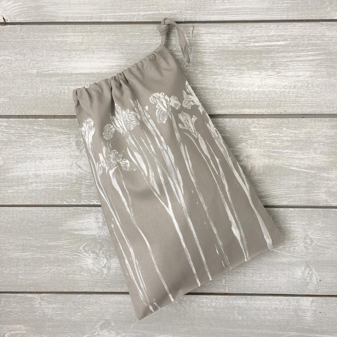 Grey Iris bag 1.jpg