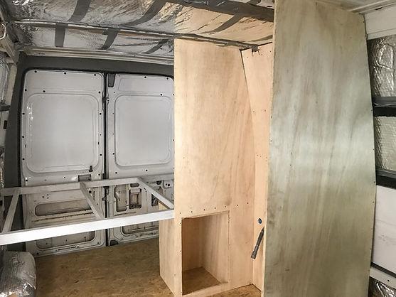 Montagem Motorhome | Estrutura Banheiro